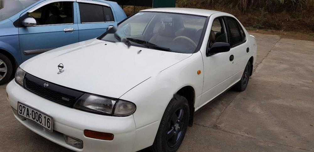 Bán Nissan Bluebird SSS 2.0 sản xuất 1995, màu trắng, nhập khẩu
