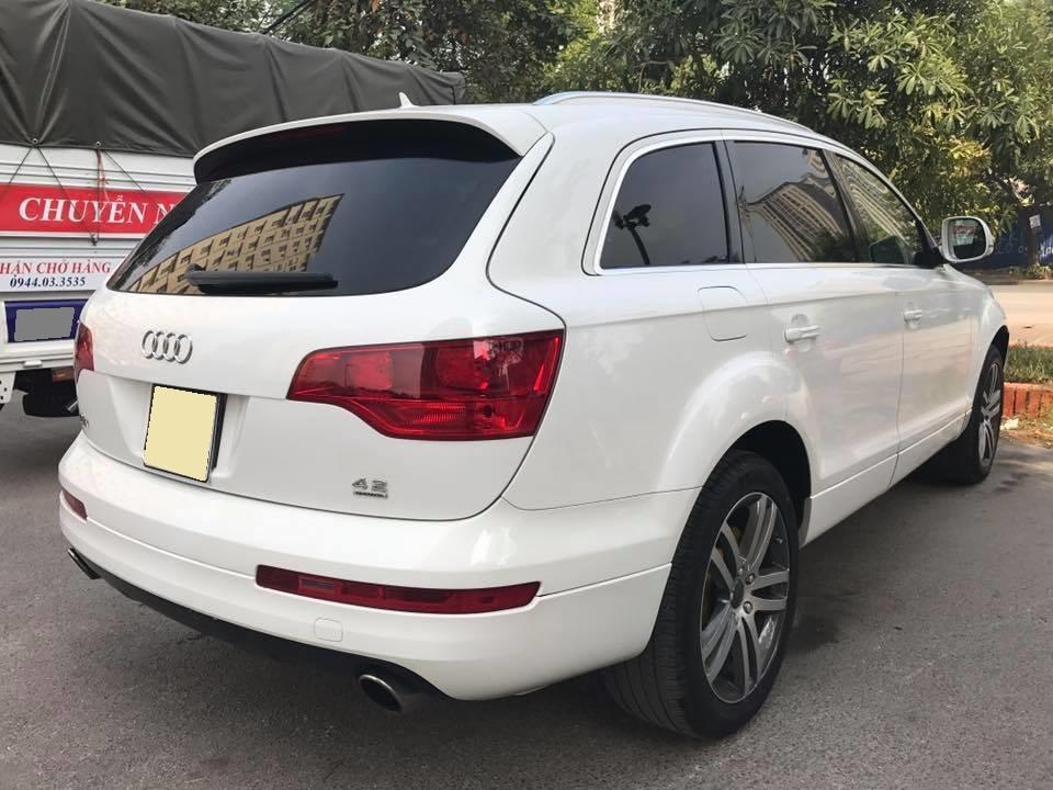Em bán xe Audi Q7 đời 2009 màu trắng bản đủ đồ