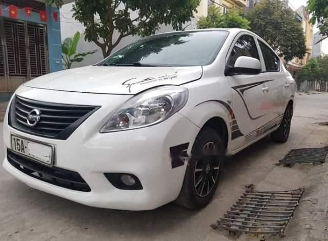Cần bán xe Nissan Sunny MT sản xuất năm 2013, màu trắng