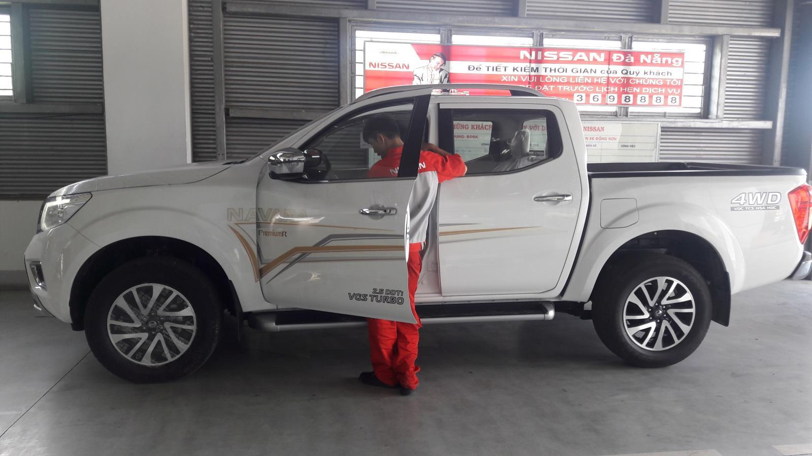 Cần bán lại xe Nissan Navara VL đời 2019, màu trắng, nhập khẩu chính hãng