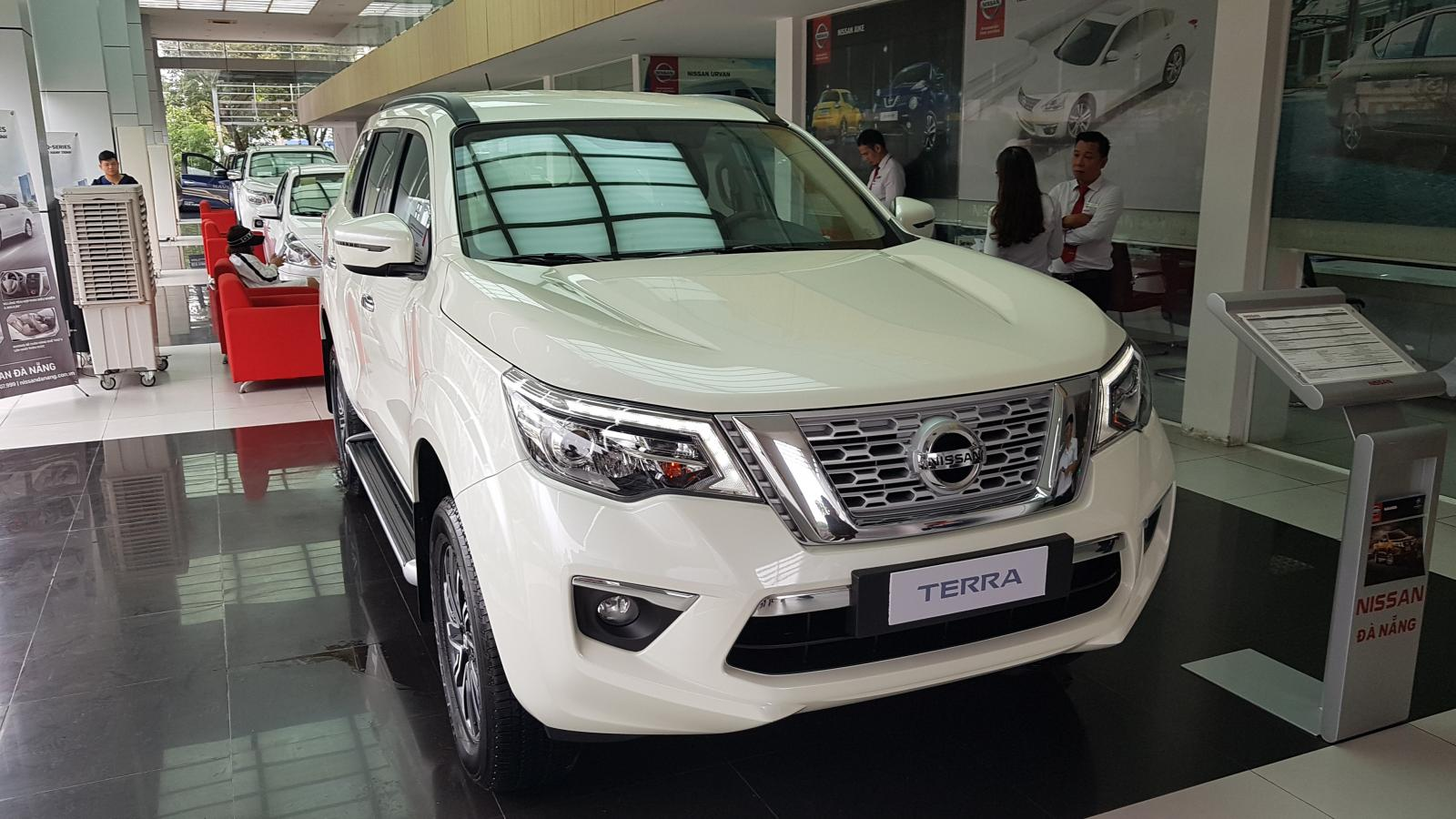 Bán xe Nissan Terra E 2WD 7AT 2019 đời 2019, màu trắng, xe nhập, 998tr