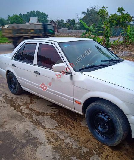 Bán Nissan Bluebird Saloon 1.8 sản xuất 1990, màu trắng