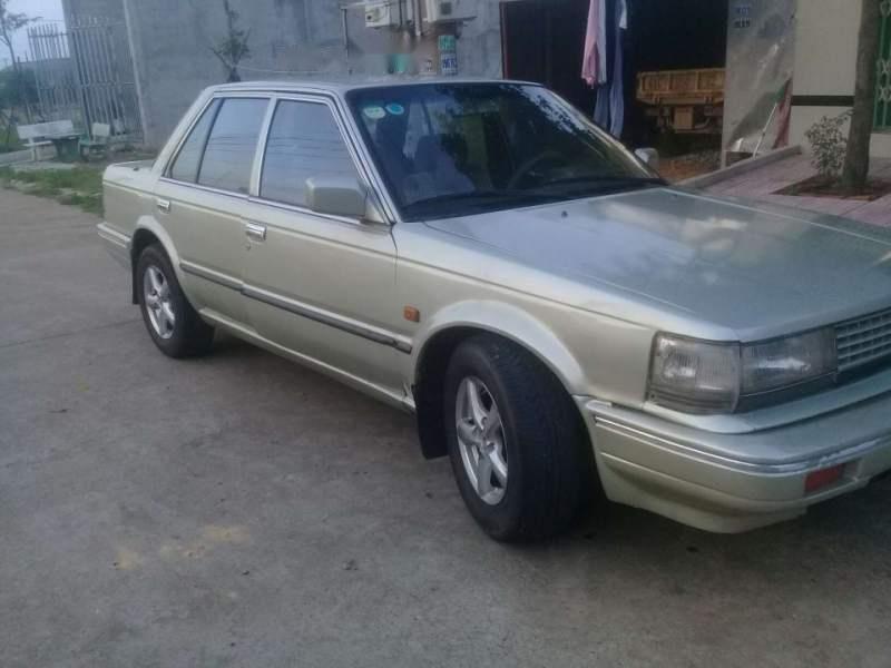 Cần bán xe Nissan Bluebird 2.0 năm 1990, xe đẹp máy êm