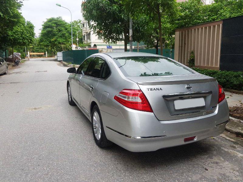 Bán Nissan Teana 2.0AT năm sản xuất 2010