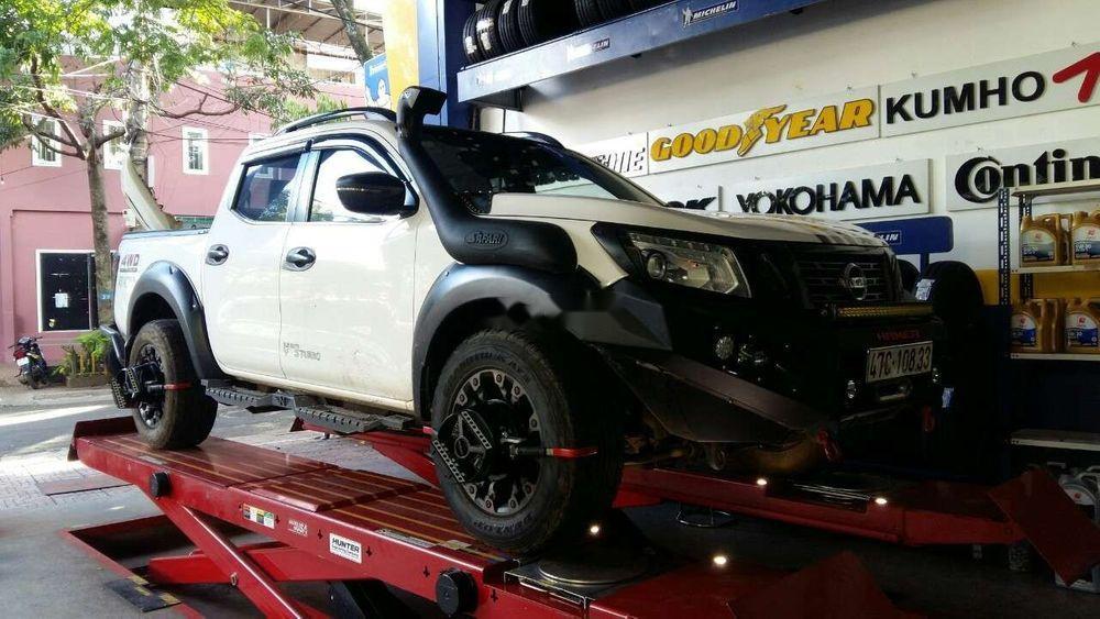 Cần bán xe Nissan Navara đời 2015, màu trắng, xe nhập, giá tốt