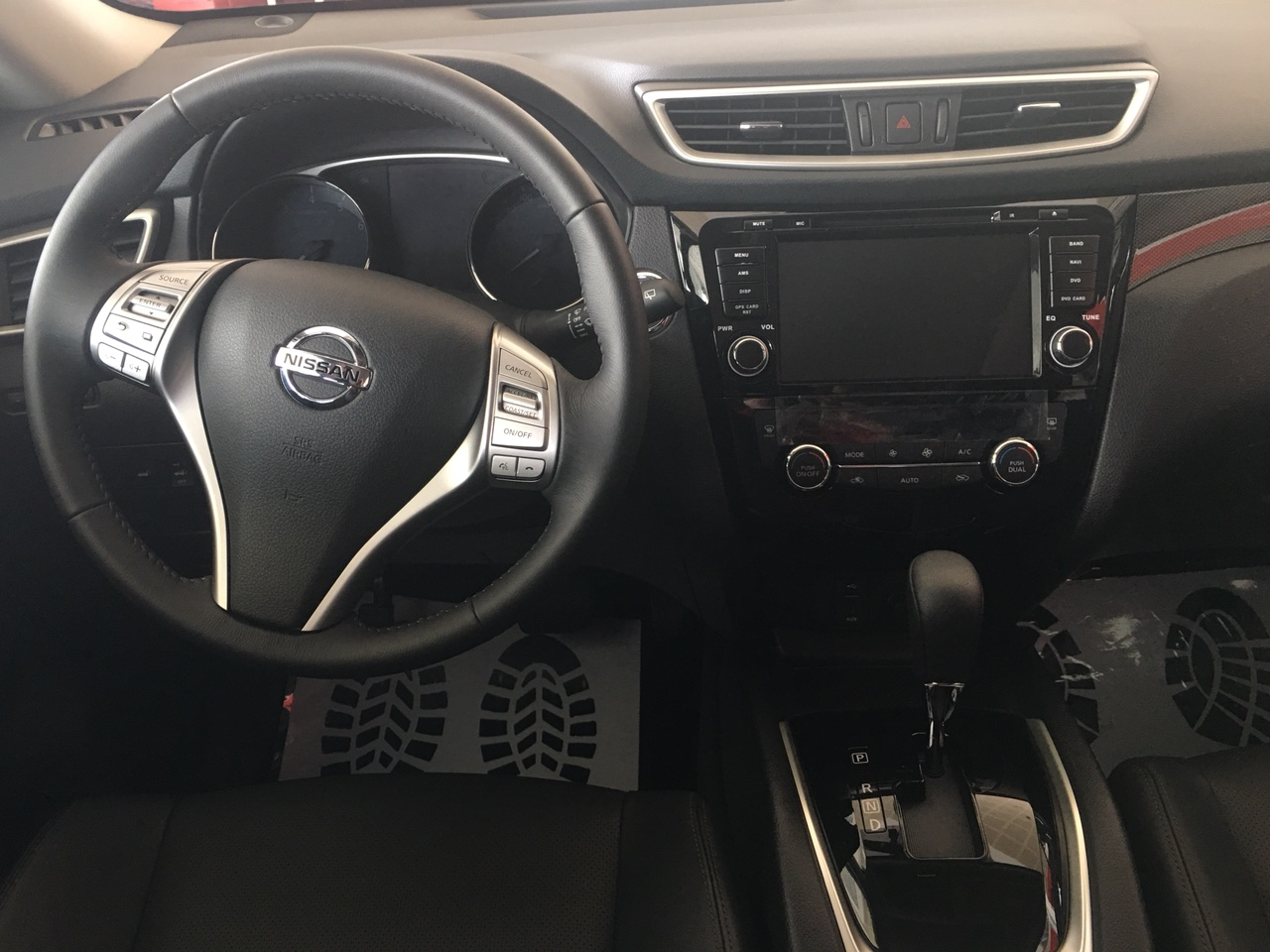 Bán Nissan X trail 2.0 sản xuất 2019, xe nhập giá tốt, liên hệ 0906720992, giao ngay