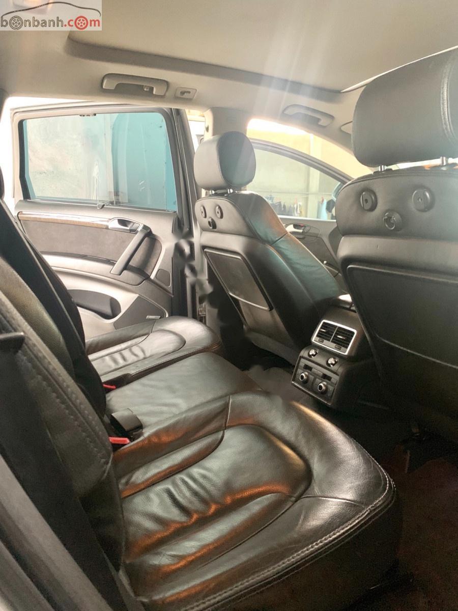 Bán Audi Q7 2010, màu bạc, xe nhập
