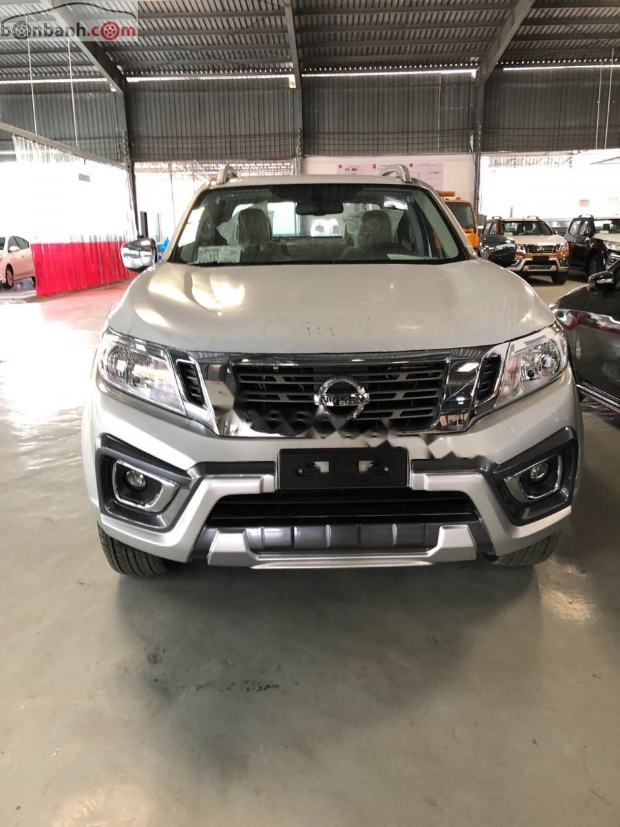 Bán xe Nissan Navara năm sản xuất 2019, màu bạc, xe nhập