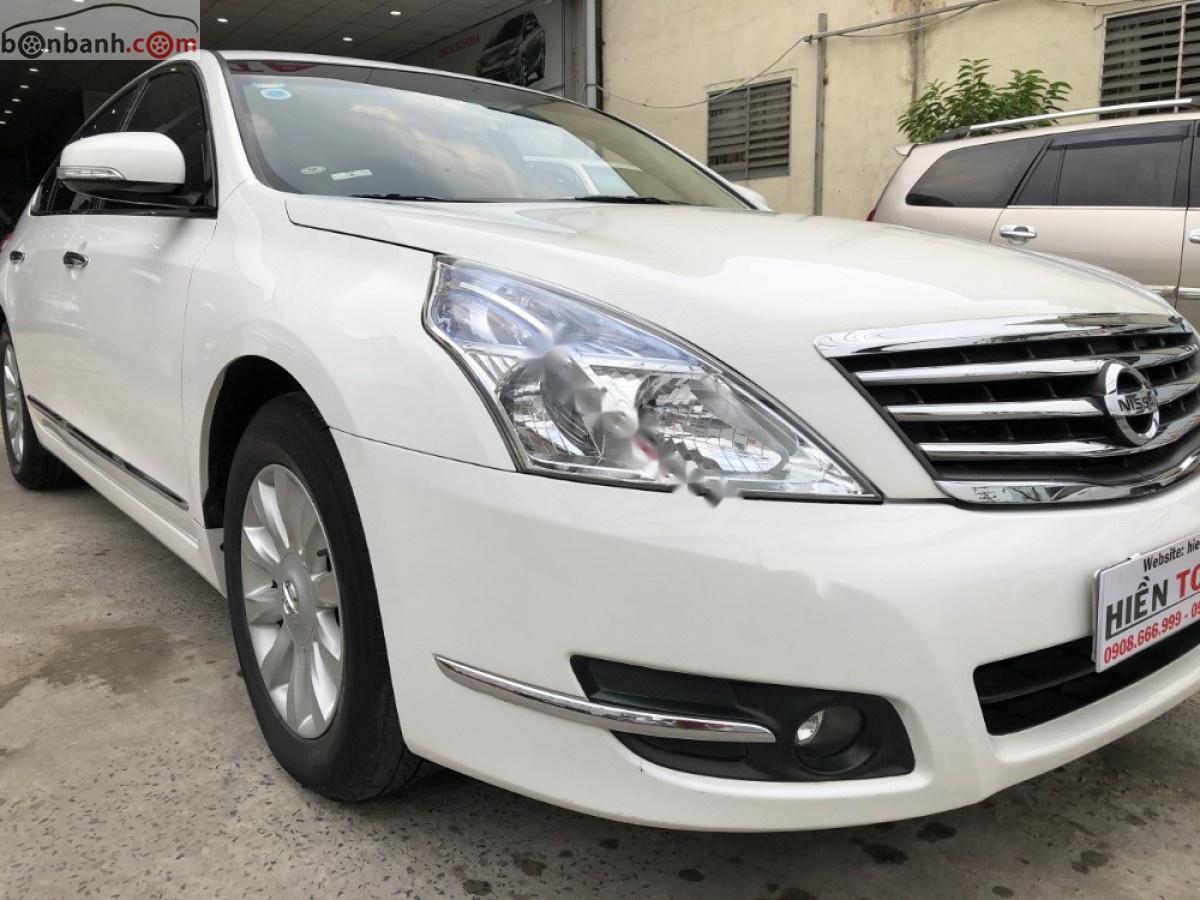 Bán Nissan Teana 2.0 2010, màu trắng, xe nhập như mới, giá tốt