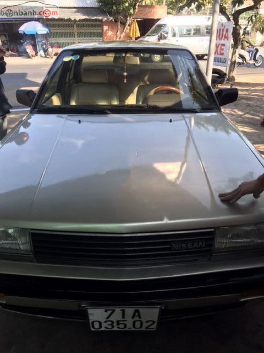 Cần bán gấp Nissan Bluebird 2.0 năm sản xuất 1990, xe nhập số sàn, 84 triệu