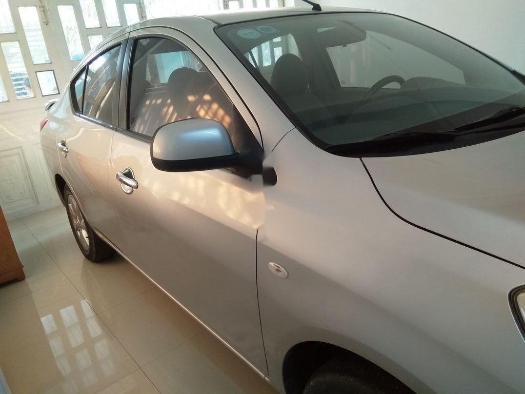 Cần bán lại xe Nissan Sunny năm 2014, màu bạc, giá chỉ 360 triệu