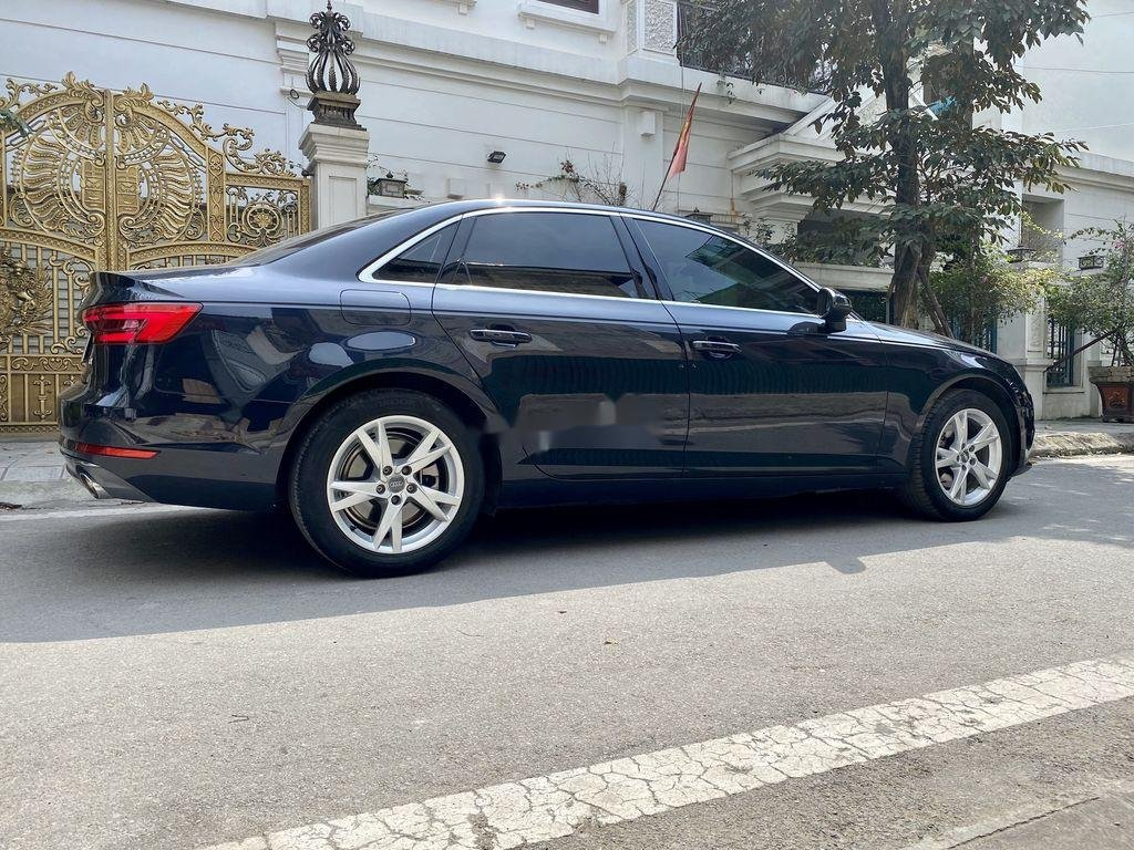 Bán xe Audi A4 đời 2018, màu xanh lam, nhập khẩu