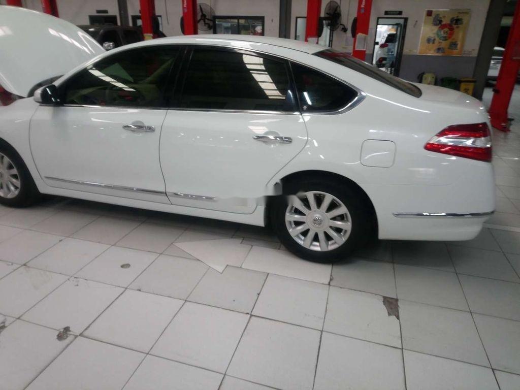 Bán xe Nissan Teana 2.0 năm 2011, màu trắng, nhập khẩu tại Nhật