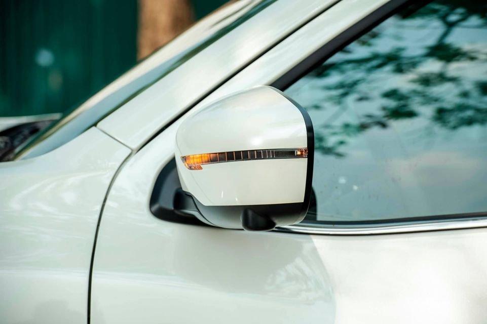 Cần bán Nissan Navara VE đời 2021, màu trắng, nhập khẩu