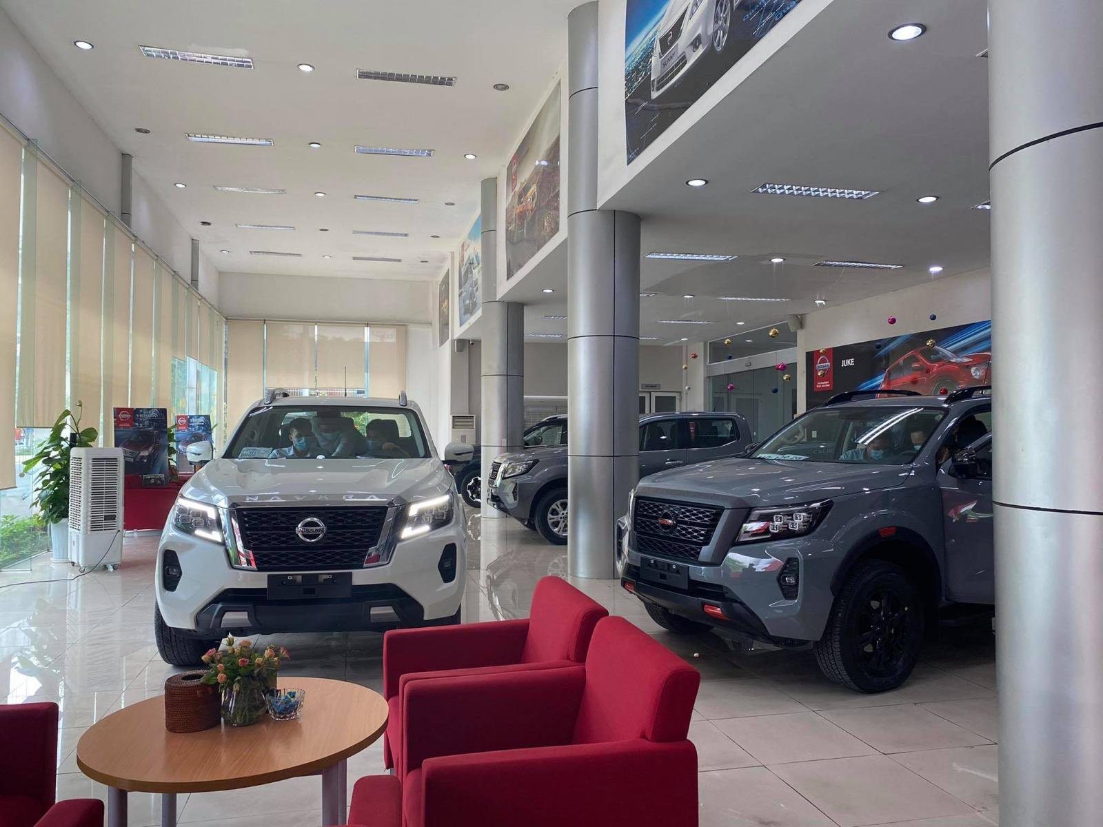 Cần bán Nissan Navara VE sản xuất 2021, màu trắng, nhập khẩu nguyên chiếc