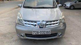 Cần bán Nissan Grand Livina 1.8 MT 2011, màu bạc số sàn giá 240 triệu tại Bình Dương